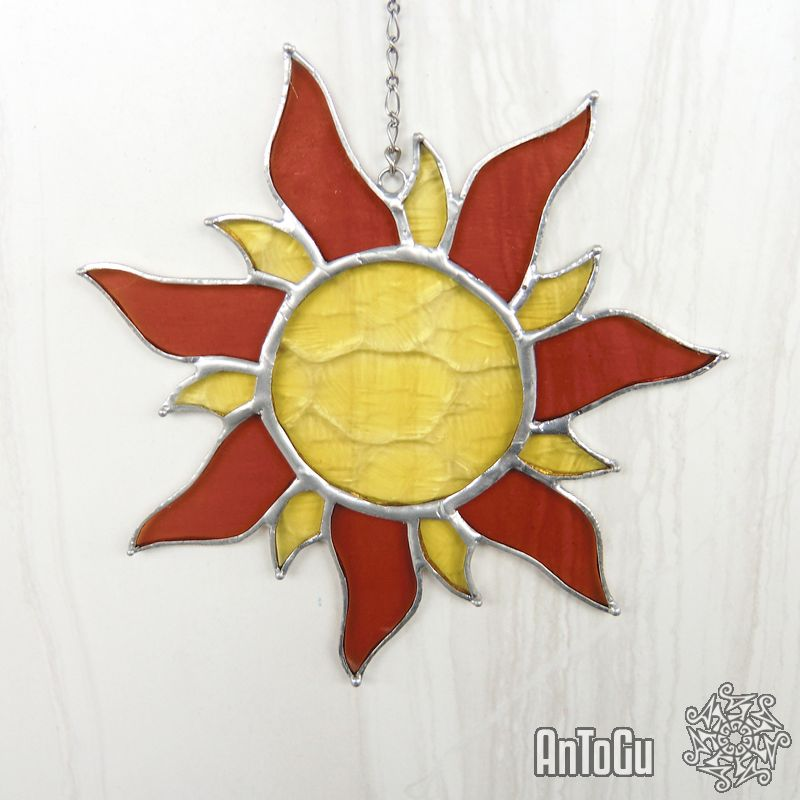 Vitráž s motivem barevného slunce. (kliknutí na obrázek Vás přesměruje na náš ESHOP)